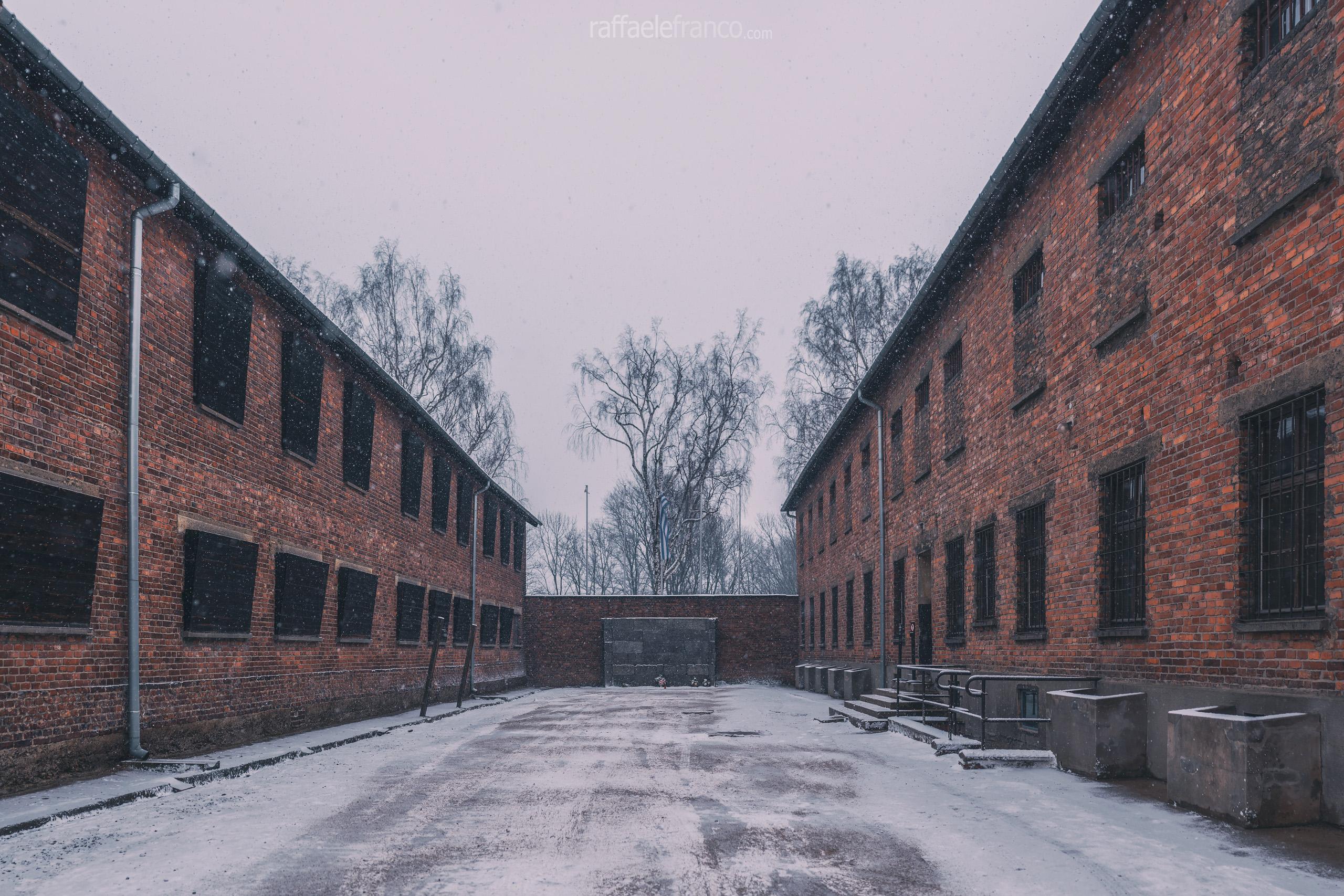 Il muro delle esecuzioni di Auschwitz